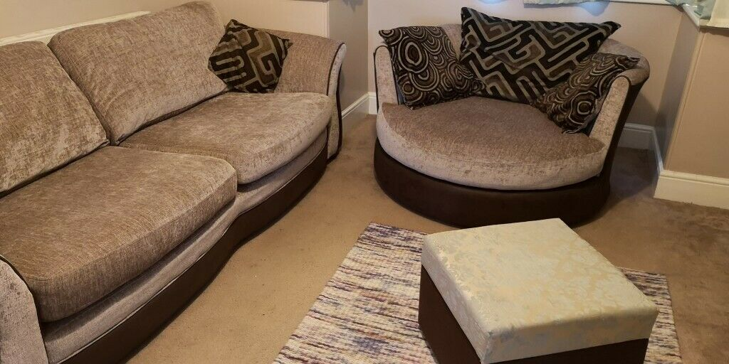 Dfs 4 Seater And Swivel Cuddle Chair Plus Optional Extra
