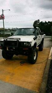 Toyota hilux turbo diesel lifted 33s Bonnells Bay Lake Macquarie Area Preview