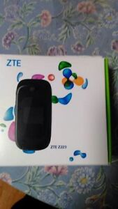 ZTE Z223 Cell phone