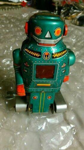 VINTAGE NOGUCHI SHOTEN TIN MECHANICAL MIGHTY ROBOT WIND UP TOY MADE IN JAPAN