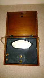 Lovely Antique Wooden Vintage Voltmeter Cambridge Instrument Co. Ltd. England