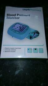 Lloyds pharmacy bload pressure monitor set!