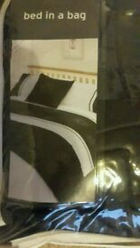 Double bed set in a bag black and white brand new