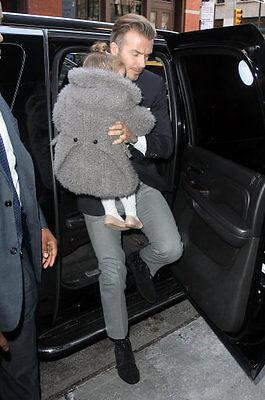 David Beckham vs Ashton kutcher... er, dad 'fashion' gone crazy
