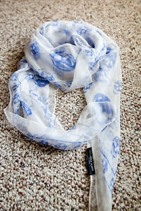 NWT Alexander Classic McQueen scarf 100% silk {Four color available}