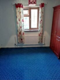 Double Room Off Ellen Road Walton Court