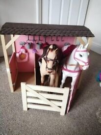 Generation doll stable with 2 horses