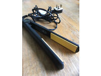 Ceramic hair straighteners – going for a song!