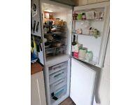 Hoover fridge freezer - lovely condition