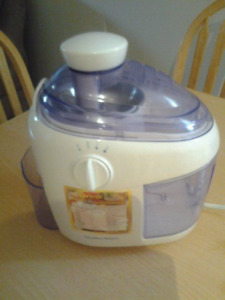 Juice Maker Hamilton Beach $45