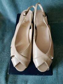 Ladies Cream Open Toed 'Lotus' Sandals