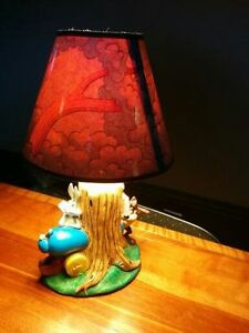 Vintage bugs bunny and Tasmanian devil lamp