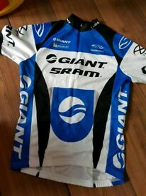 Mens giant cycling gear
