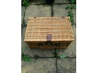 Luxury picnic hamper case wicker