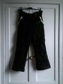 Ladies black ski pants size 14/16 elasticated waste and zip, high wasted. Very good condition.