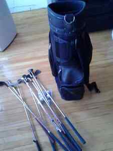 SPALDING GOLF BAG WITH BALLS AND 10 CLUBS