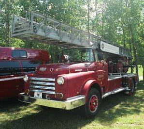 1958 Thibault Custom, camion-échelle Metz de pompier