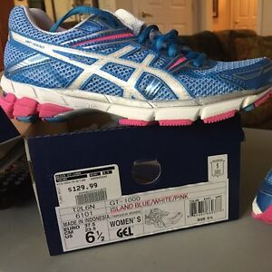 Asics NEW running shoes, women's size 6.5 West Island Greater Montréal image 1