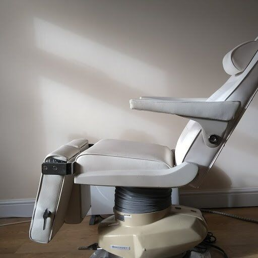 Treatment Chair & saddle seat suitable for Chiropody, Podiatry, Beauty Therapy, Tattoo Artist