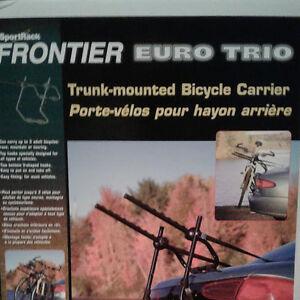 Support à vélo pour l'auto