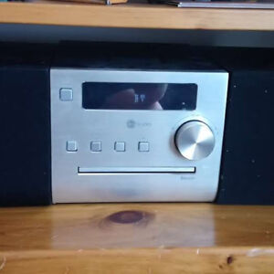 Instudio Music Player ( CD, Bluetooth, Idock, Radio)
