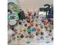 Xbox 360 console - Wii console - Games - Sky Landers - Disney Infinity - Turtle beach headset