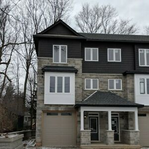 New End Unit 3Bdrm + 4Bthrm Town-home in Village of Ancaster!!!