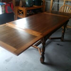 Dining room table set including buffet and hutch