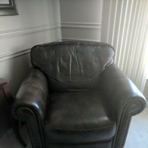 Leather Chair - AMAZING shape