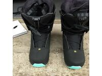 Ladies - Solomon Snow Board Boots - S. Ivy. - reduced for quick sale