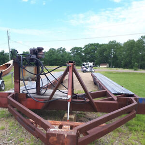Hydraulic boat trailer