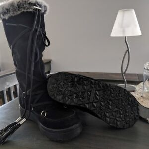 Like New, Women's Dri-Wear Fur Lined Winter boots
