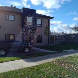 AVAILABLE SEPTEMBER 1st -359 QUEEN ST- 2 BDRM  in NEW 4PLEX