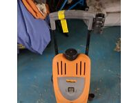 halfords Pressure washer HP2000 Spares or repair