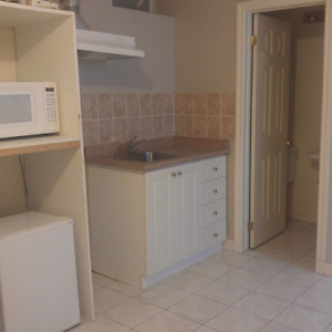 Available now-All Inclusive Bachelor Apt. Markham McCowan/14th A