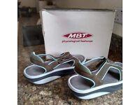 MBT physiological footwear - Sandals shoes - STARKA beluga