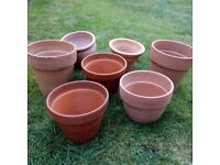 Collection of terracotta/earthenware planters/plant pots