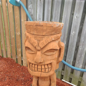 TIKI MAN CARVING