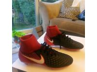 MENS SIZE 6 NIKE BOOTS