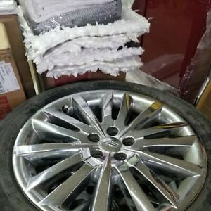 Lincoln MKX Tires and Rims