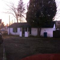 Charmant bungalow/maison a louer, 580$ a Beloeil