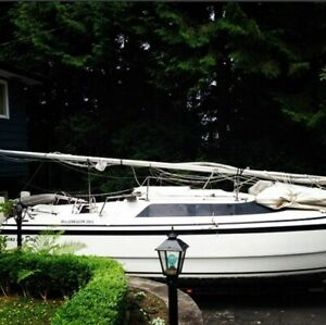 1998 Macgregor 26X in great shape - 50HP Honda