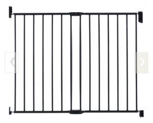 Munchkin metal baby gate