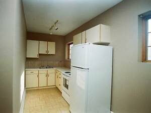 3 bedroom townhouse in Oakridge Jan 1