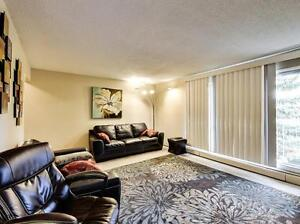 *INCENTIVES* Large Bachelor Suite w/ Balcony~Recently Reno'd~200