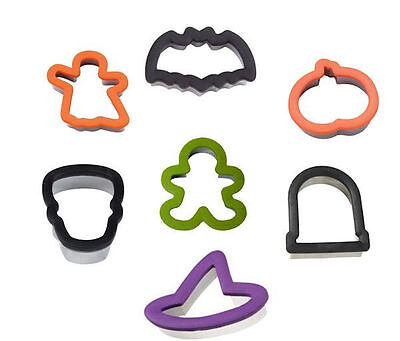 Halloween Comfort Grip Cookie Cutter from Wilton - Many shapes to choose from. - Wilton Cookies Halloween