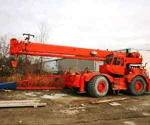 GROVE  30 TON MOBILE ROUGH TERRAIN CRANE