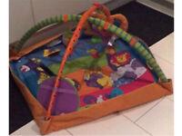 Baby's kick and play May and bright stars mat