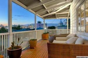 STUDENT ACCOMMODATION - HUGE HOUSE WITH 2 KITCHENS! 2 ROOMS AVAIL Woolloongabba Brisbane South West Preview