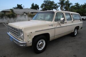 Square Body Suburban Wanted